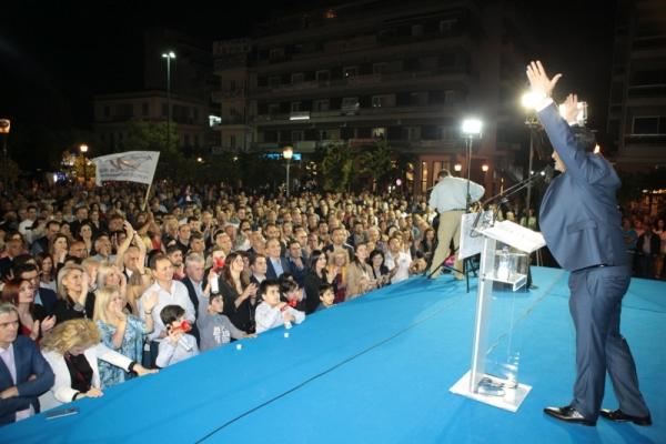 Με μεγάλη συμμετοχή του κόσμου πραγματοποίησε την κεντρική του ομιλία στο Αγρίνιο ο Γιώργος Παπαναστασίου
